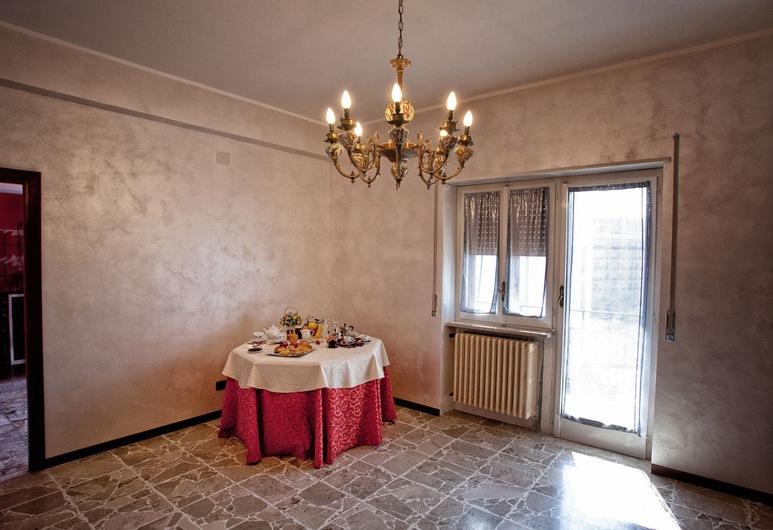 Flower Bed & Breakfast, Campobasso, Pomieszczenie śniadaniowe