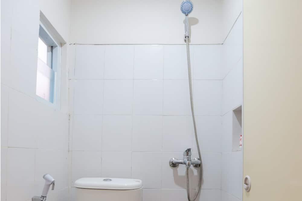 Standard Twin Room, 2 Single Beds, Non Smoking - Bathroom
