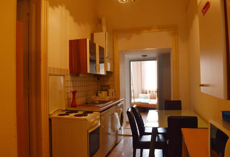 City Apartments on a budget, Vienna, Apartment, 3 Bedrooms (in Central Vienna), Living Area