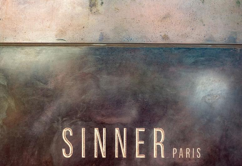 Sinner Paris, Paris, Hotel Front