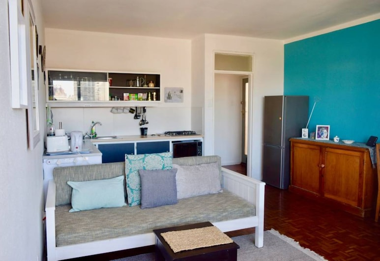 Kloof Street Central 2 Bedroom Apartment, Cape Town