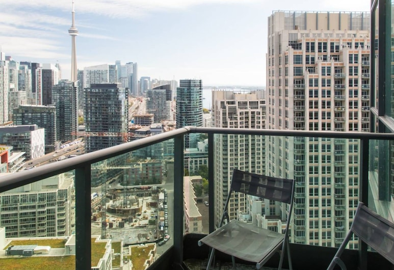 Modern 2 Bedroom Condo With CN Tower Views, Toronto, Balcony