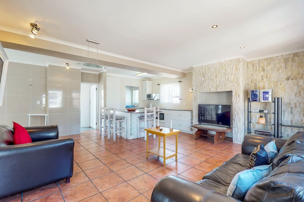 Klasikinio tipo namas - Svetainė