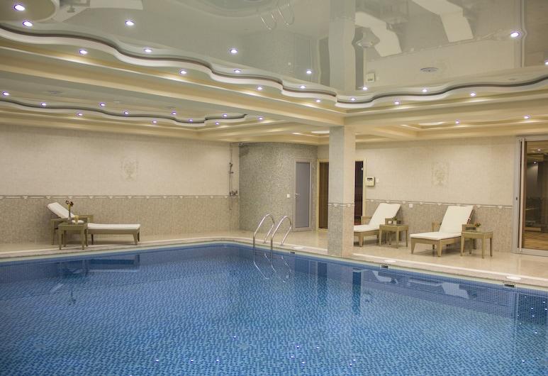 아틀라스 호텔, 두샨베, 실내 수영장