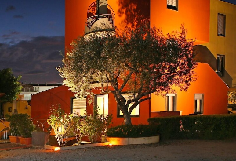 Touch Resort, Pompei, Hotel Front – Evening/Night