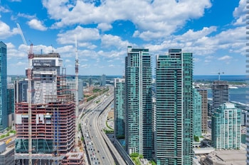 Picture of New!! Air Canada Condo Near CN Tower in Toronto