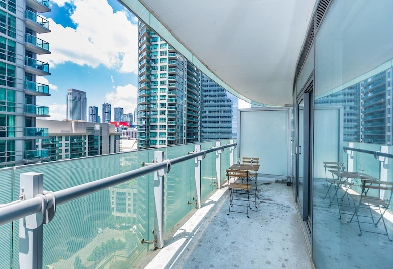 CN Tower & Lake View, Luxury Condo in Downtown, Toronto, Appartement (1 Bedroom), Balkon
