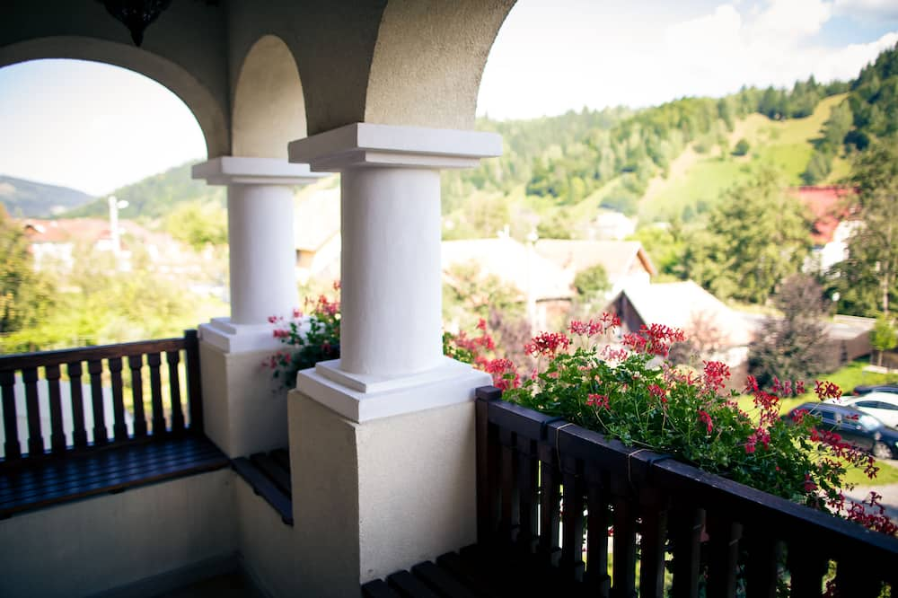 Basic Double or Twin Room, Mountain View - Balcony