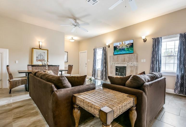 ニューオリンズにある広々とした新しい家、ベッドルーム 5 室, ニューオーリンズ, ラグジュアリー コンドミニアム ベッド (複数台), リビング ルーム