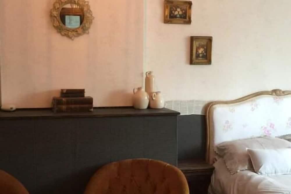 Double Room - Ruang Tamu