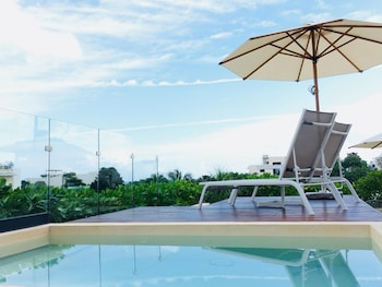 Enter your dates for special Playa del Carmen last minute prices