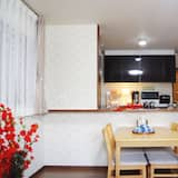 Deluxe Townhome, Multiple Beds - In-Room Dining