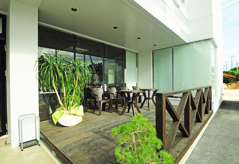 Hoshino Terrace Alcyone II, Mijako sala, Terasa / vidinis kiemas