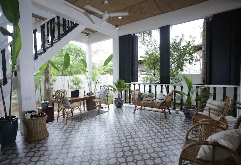 The Colonial, Puerto Princesa, Sitzecke in der Lobby