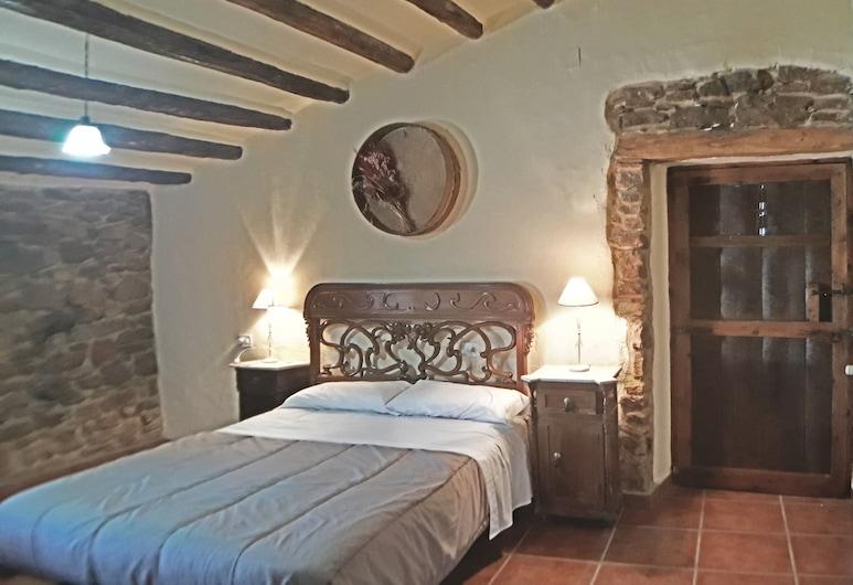 Mas de Tenesa, Benassal, Maja, omaette vannitoaga, vaade mägedele, Tuba