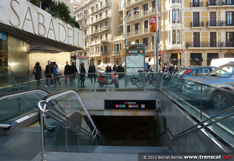 Bruc & Bruc Barcelona, Barcelona, Külső rész