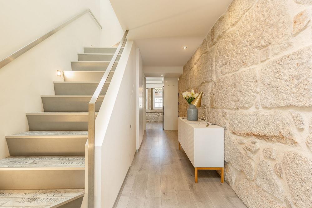 Dvojposchodový apartmán, 2 spálne, terasa (3) - Obývacie priestory