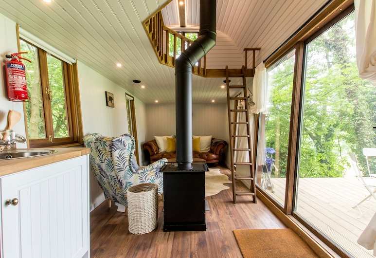 Extraordinary Huts, Rye, The Hide Out, Living Room