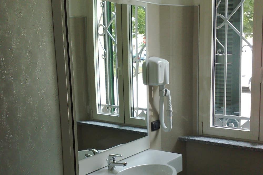 Διαμέρισμα, 1 Queen Κρεβάτι, Μη Καπνιστών (Base) - Μπάνιο