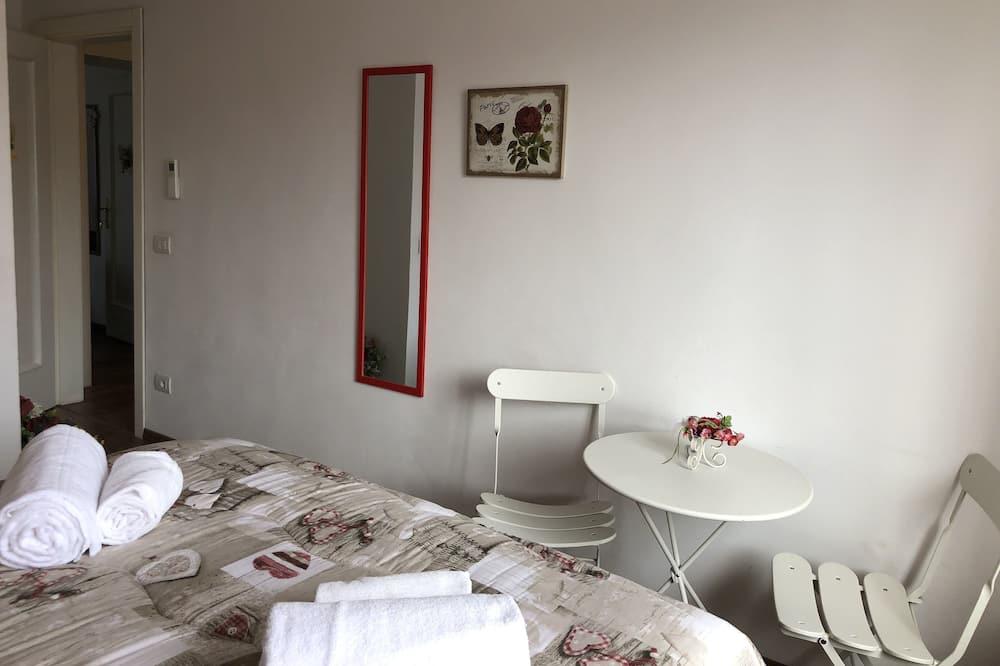 Эксклюзивный номер, смежные ванная комната и спальня - Зона гостиной