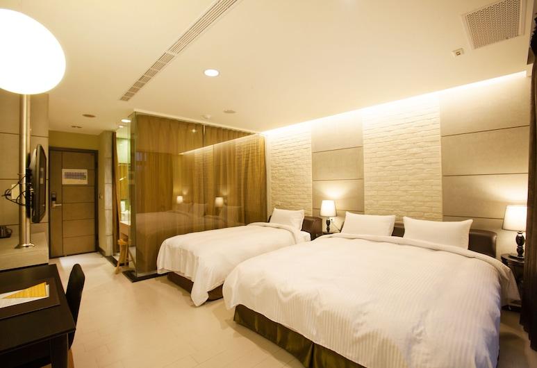 823-Tourist Hotel, Chinhu, Family kolmetuba, Voodeid on mitu, suitsetamine keelatud, Tuba