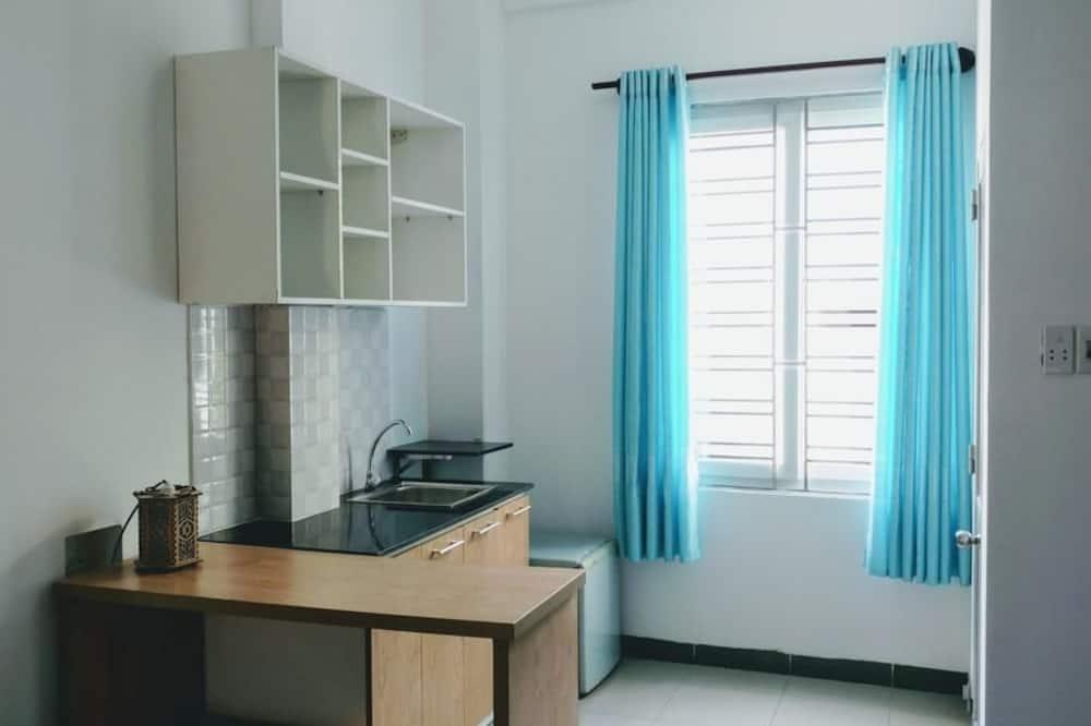 Studio Family Room - Shared kitchen facilities