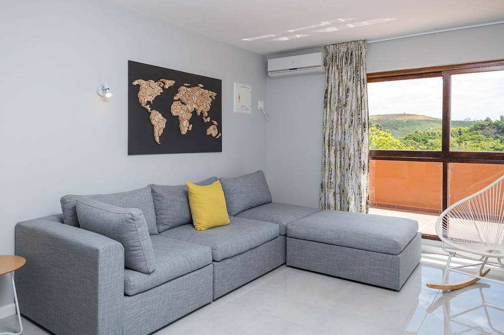 Apartment, 1 Double Bed, Non Smoking - Living Area