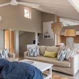 アパートメント 5 ベッドルーム - リビング ルーム