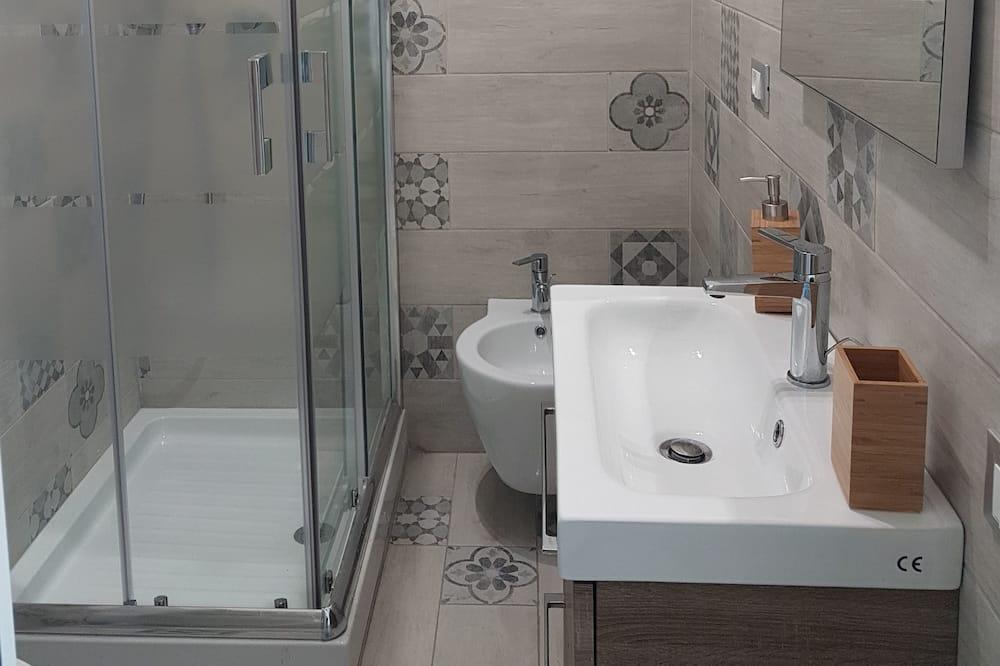 Keturvietis kambarys (2) - Vonios kambarys