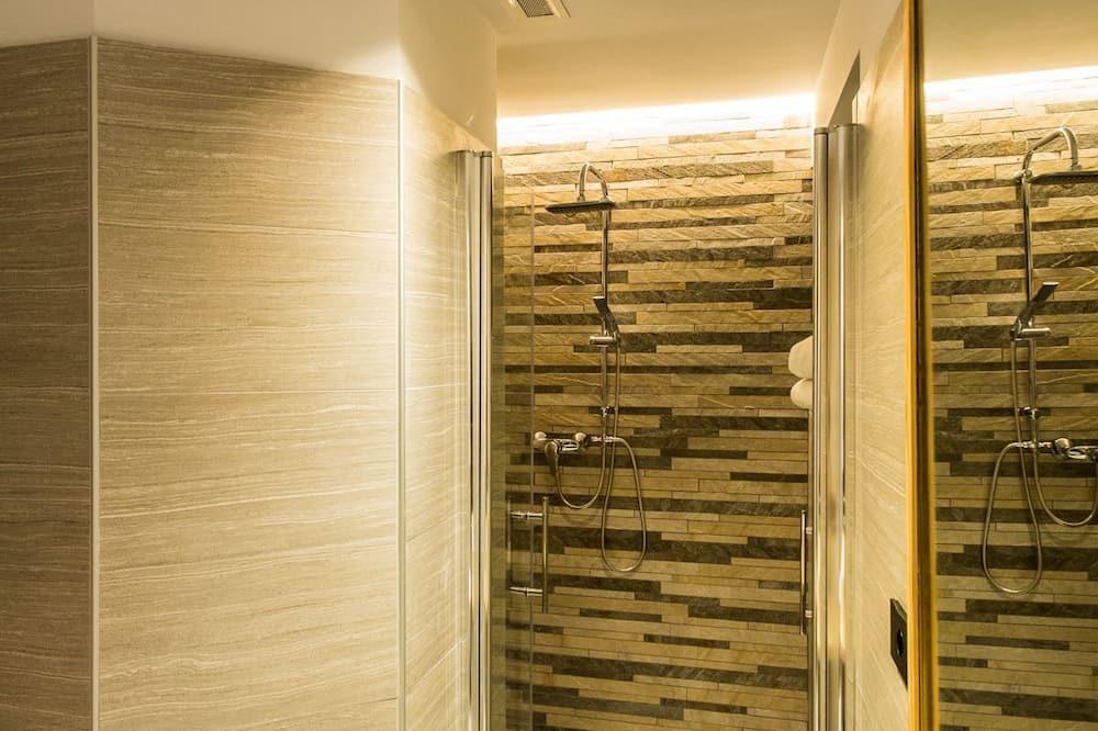 Habitación triple, baño privado - Cuarto de baño