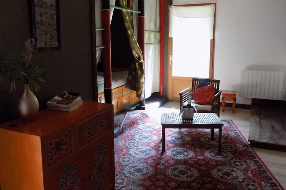 Двухместный номер «Гранд» с 1 двуспальной кроватью - Зона гостиной