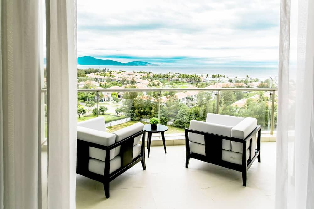 The Ocean Apartment - Balcony