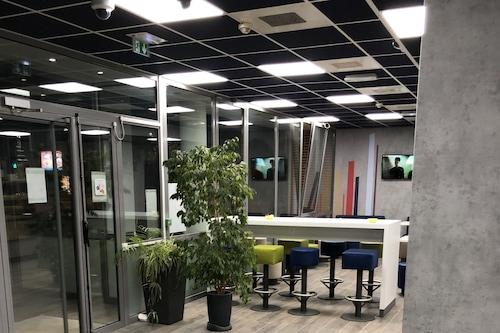 芒特拉若利速利宜必思快捷飯店/