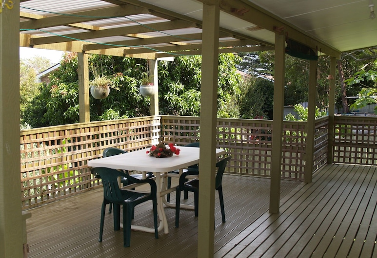 Rocky Beach Cottage, 26 Pacific Drive,, Port Macquarie, Balkón