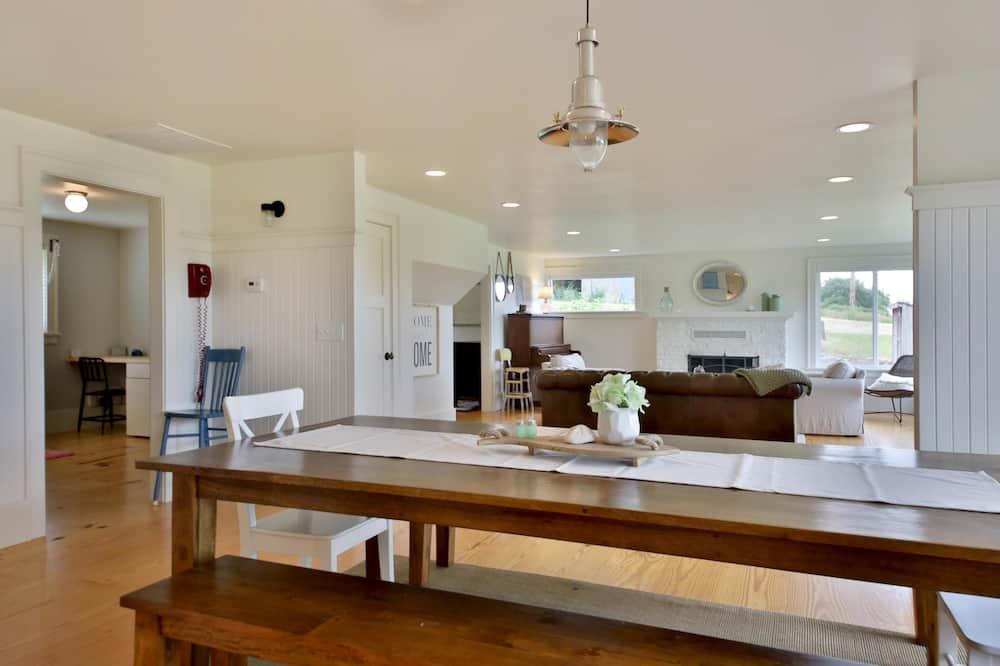 Casa, várias camas, Vista Baía (265 - Bayview Together Farm) - Refeições no Quarto