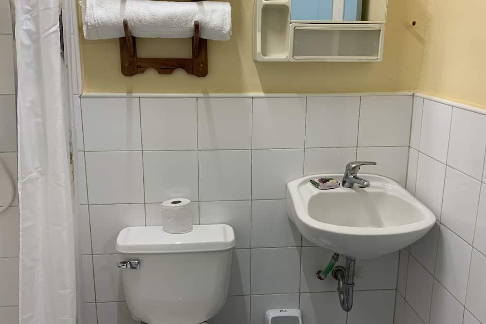 럭셔리룸, 침대(여러 개), 장애인 지원, 베이 전망 - 욕실