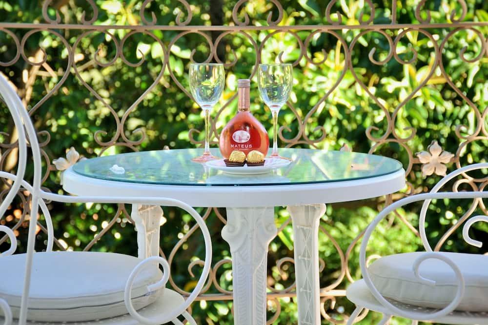סוויטה רומנטית, נוף לגן (Princess Room) - חדר אורחים