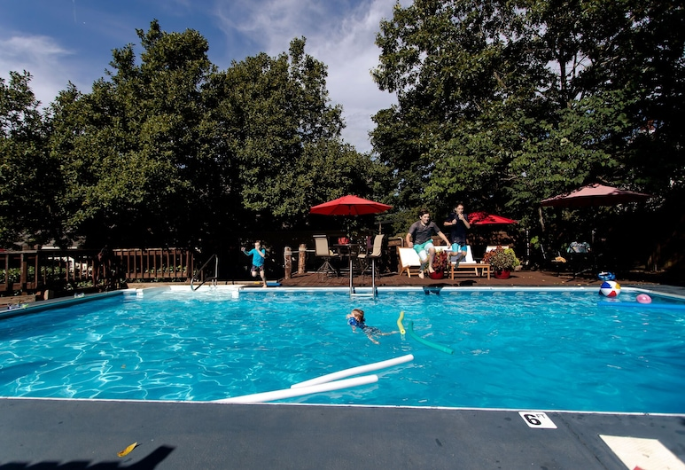 Clay Corner Inn, Blacksburg, Outdoor Pool