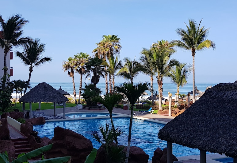 A Pie de Playa, Condo Familiar. / Beach front Family Condo., Cerritos Resort, حمام سباحة