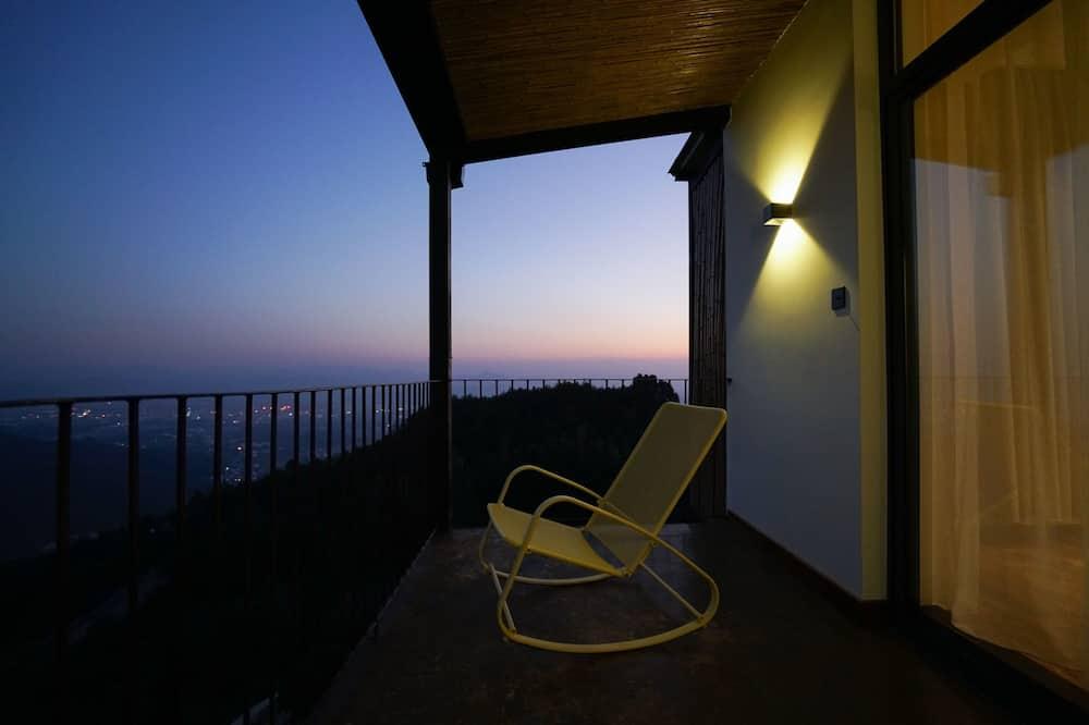 Classic Double Room, Non Smoking - Balcony