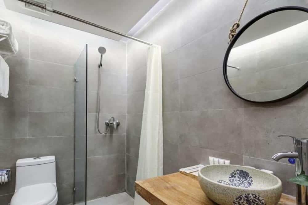 Standard Double Room (Mainland Chinese Citizen Only) - Bathroom