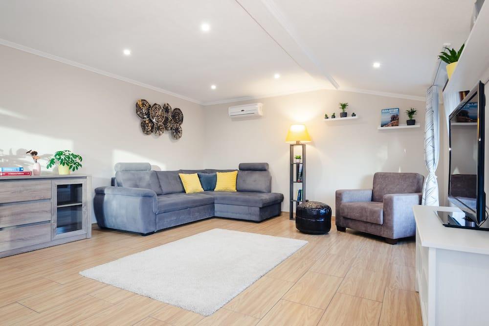 Apartmán typu Comfort, 1 veľké dvojlôžko s rozkladacou sedačkou, nefajčiarska izba - Obývačka