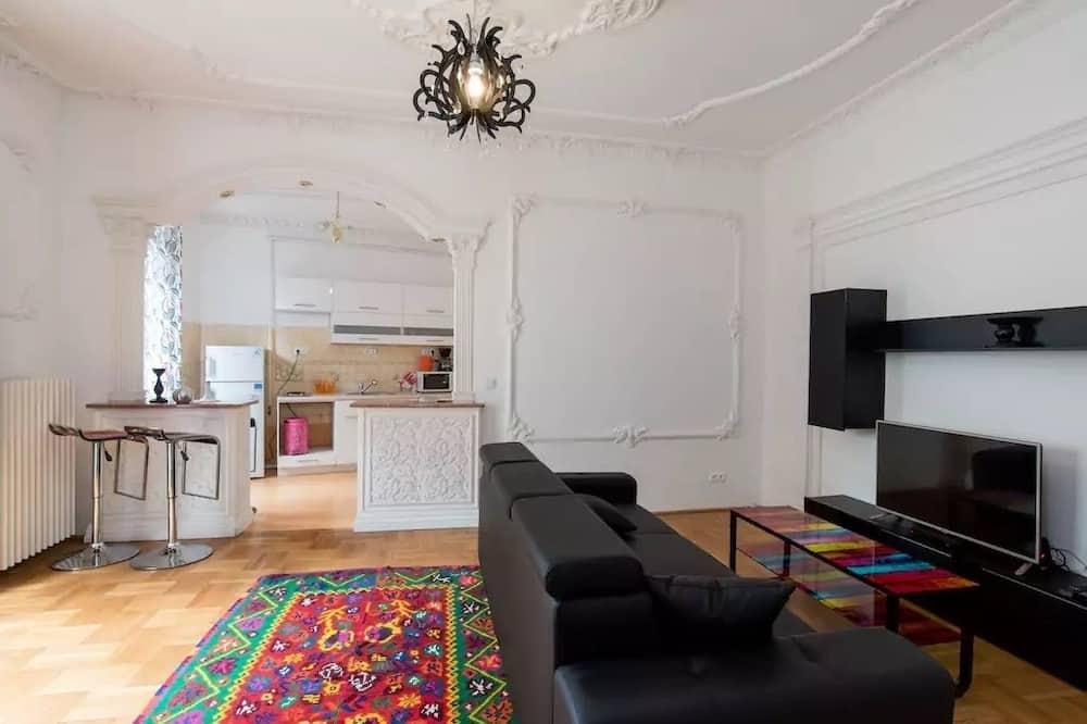 Grand Apartment, 1 Katil Raja (King) dengan Katil Sofa, Non Smoking, City View (Pink) - Ruang Tamu