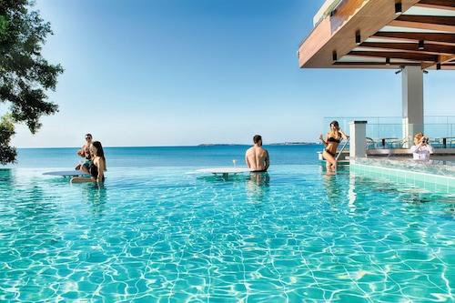 陽光海灘烏宮酒店