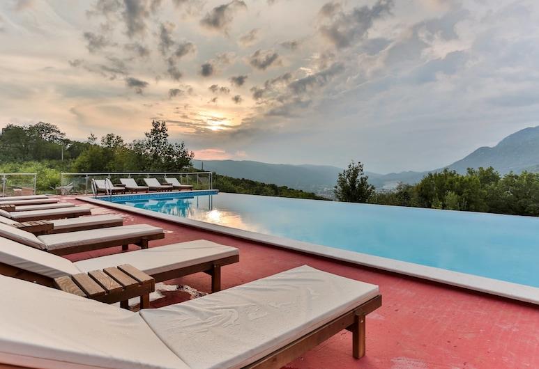 Spa Resort Bevilacqua, Budva, Infinity Pool