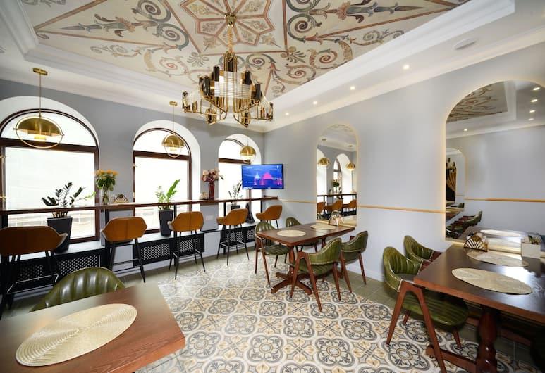 Design Hotel Senator, Moskwa, Pomieszczenie śniadaniowe