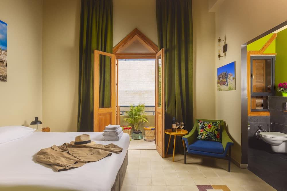 חדר מעוצב זוגי, מרפסת - נוף מחדר האורחים