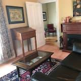 Comfort dubbelrum - 1 dubbelsäng med bäddsoffa - delat badrum - Vardagsrum