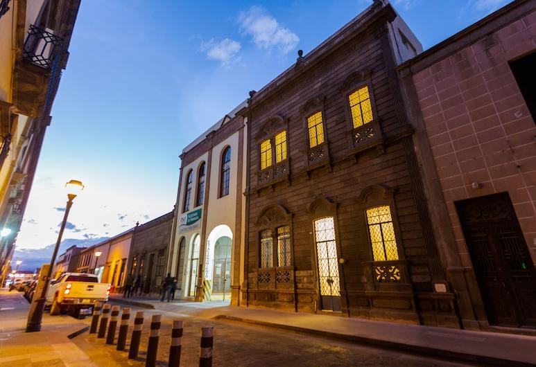 Palacio la Embajada, San Luis Potosi, Viešbučio fasadas vakare / naktį