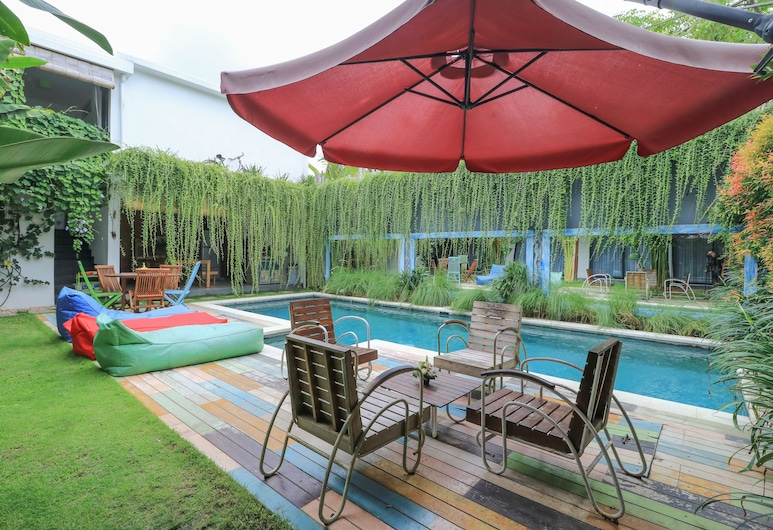 Base Guesthouse and Hostel, Canggu, Pool